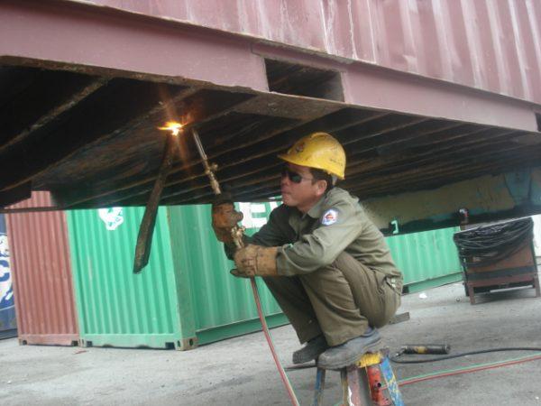 Sửa chữa container kho
